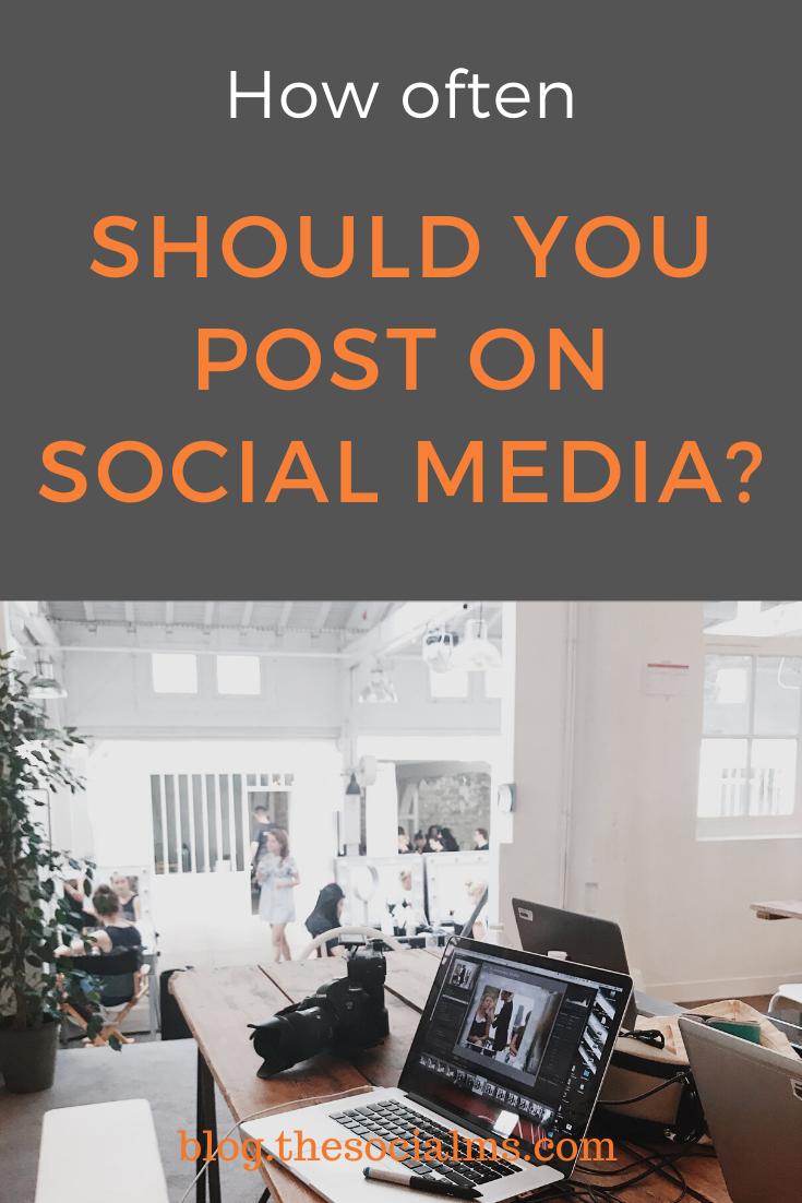 Prieš nuspręsdami dėl savo socialinių paskyrų skelbimo dažnumo (ir strategijos), įsitikinkite, kad žinote, ko norite pasiekti ir kaip galite įvertinti rezultatus!  Jei to nepadarysite, niekada nesužinosite, kaip dažnai turėtumėte rašyti žinutes.  #socialmedia #socialmediatips #socialmediamarketing #smallbusinessmarketing #digitalmarketing