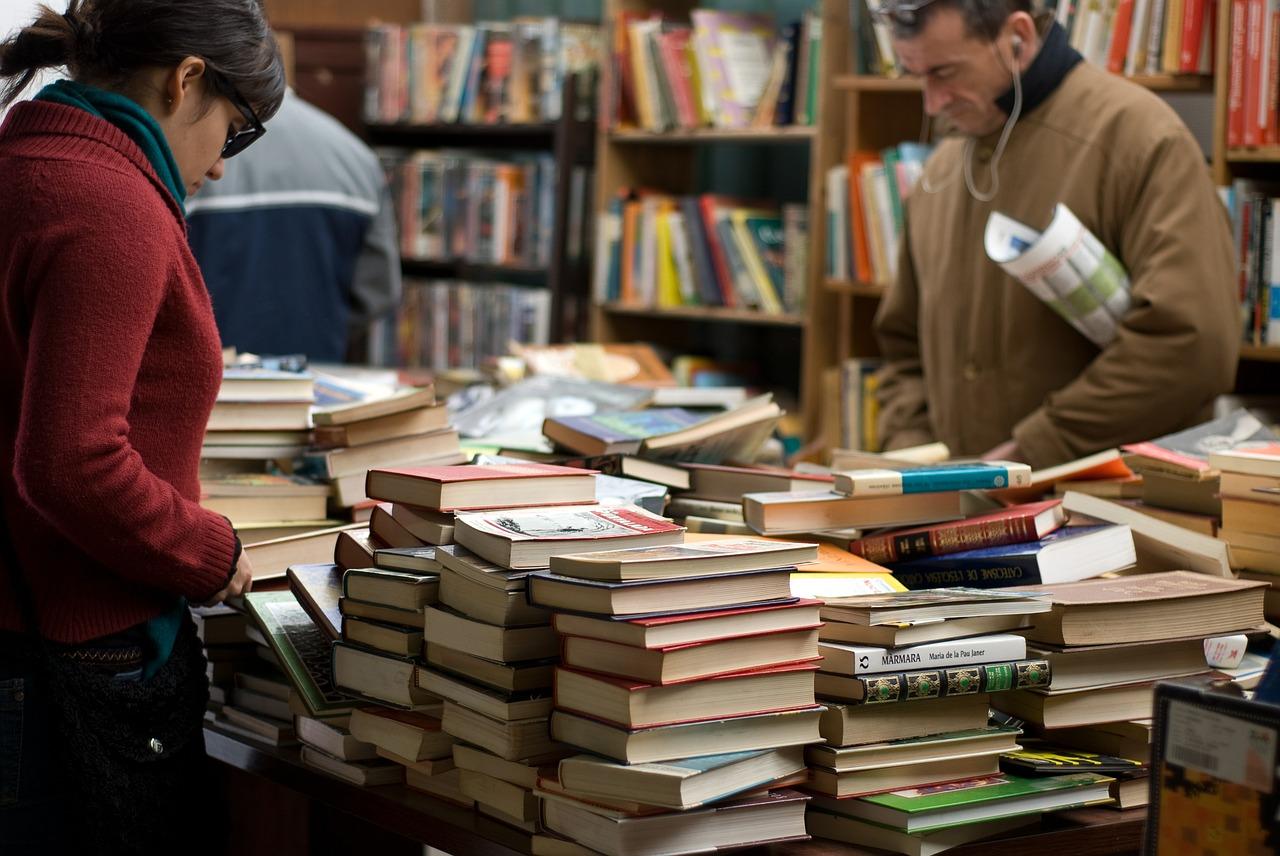 books-389392_1280