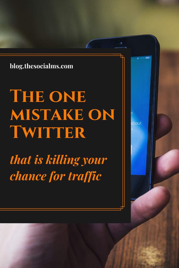 There is one simple mistake that many bloggers and marketers make on Twitter. And that mistake can so easily be changed. You can multiply your Twitter traffic with one simple change to your Twitter marketing. #twitter #twittertips #twittermarketing #twittermistake #socialmedia #socialmediamarketing
