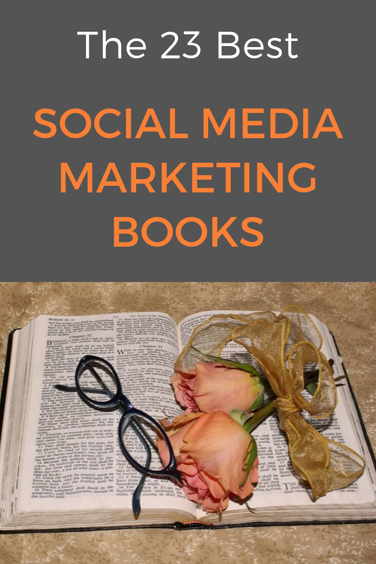 If you are looking for some blogging and social media marketing books to learn something new, get better at marketing, and even get inspiration: Here are the social media marketing books you need to read! #marketingbooks #bloggingbooks #bookstoread #booksforyourbusiness #onlinebusiness #socialmediamarketing